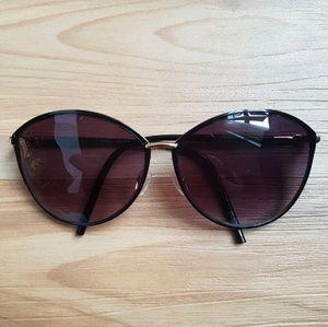 Steve Madden Metal Rimmed Sunglasses